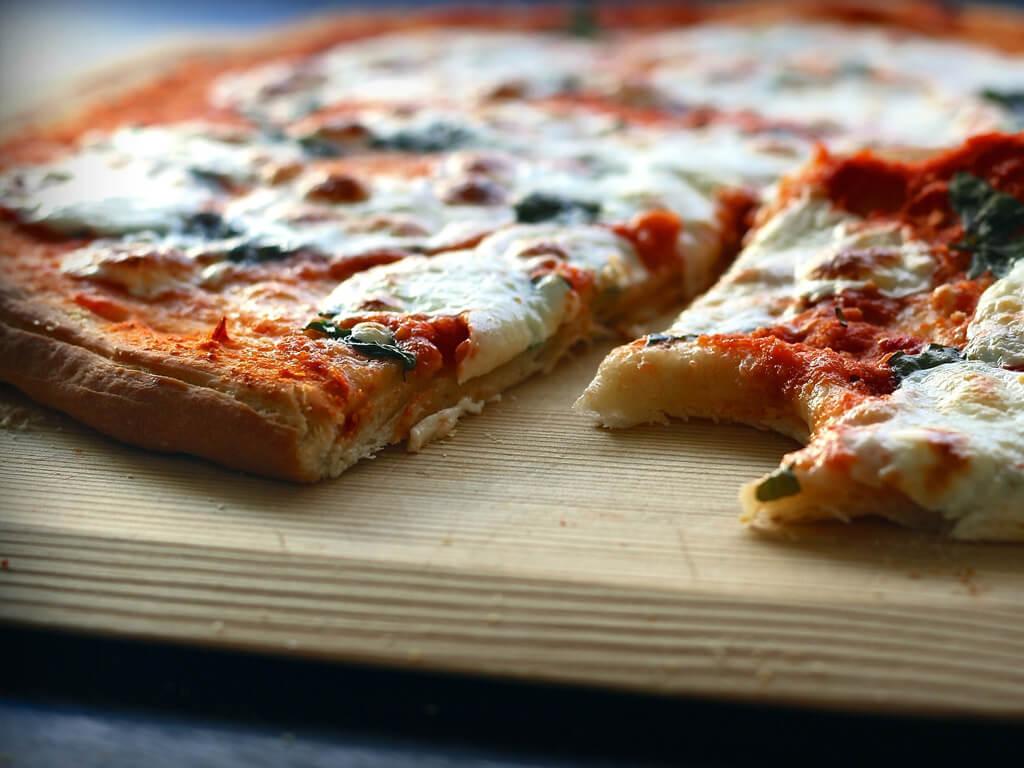 En pizza på Pizzeria Vagabondo i Fränsta.