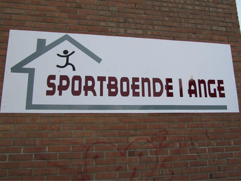 Skylten Sportboende i Ånge på utsidan av byggnaden.