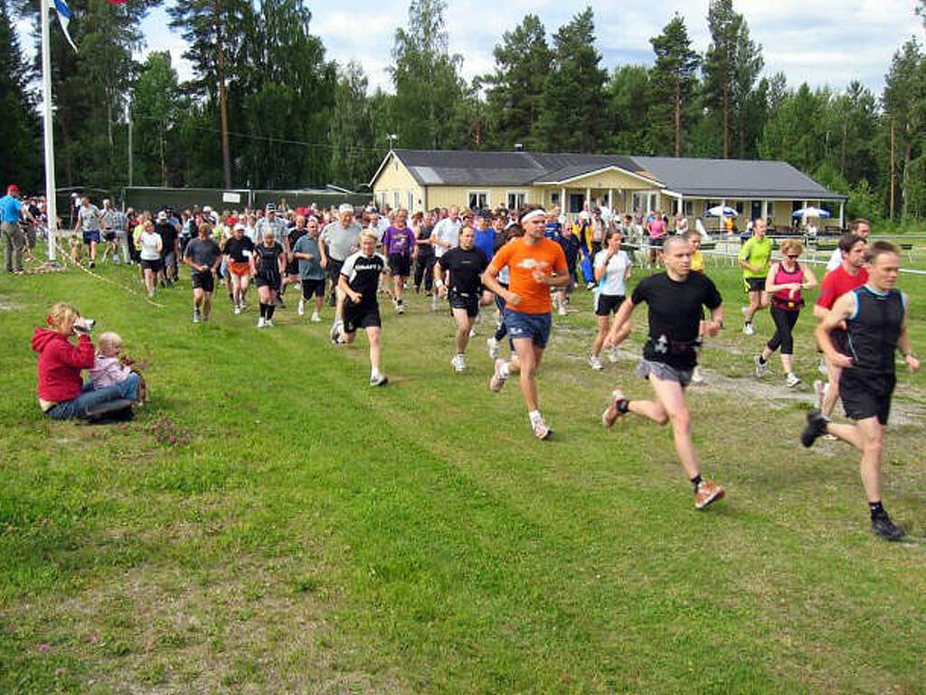 Starten på låglandsvandring Borgsjö Runt.