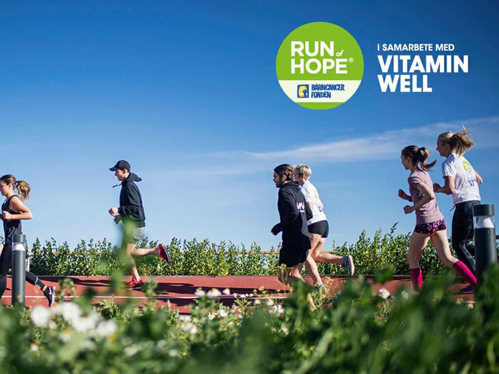 Stöd barncancerfondens arbete genom att gå, lunka, springa Run of Hope Ånge i Elljusspåret den 7 oktober.